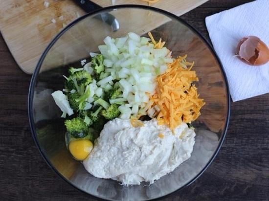Твердый сыр натрем и добавим