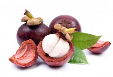 Как правильно едят мангустин?