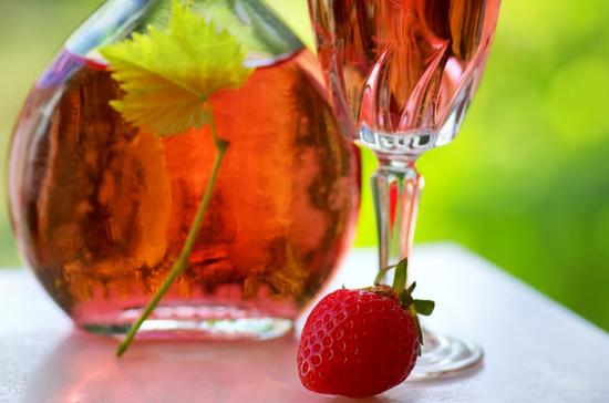 вино из клубники