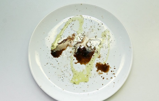 Соединим горчицу с маслом оливы