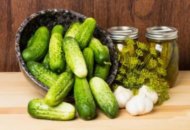 Огурцы в собственном соку: рецепты на зиму