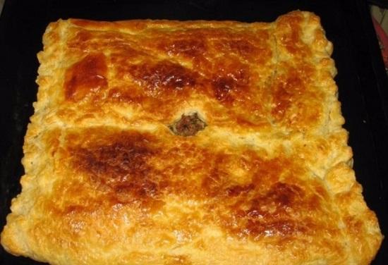 Мясной пирог со слоеным тестом: рецепт с фото