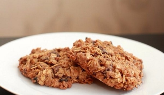 испечь печенье из овсяных хлопьев