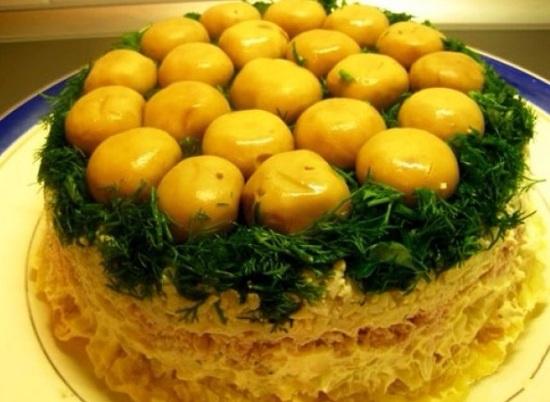 Салат Лесная поляна: рецепты приготовления с шампиньонами, морковью и маслинами