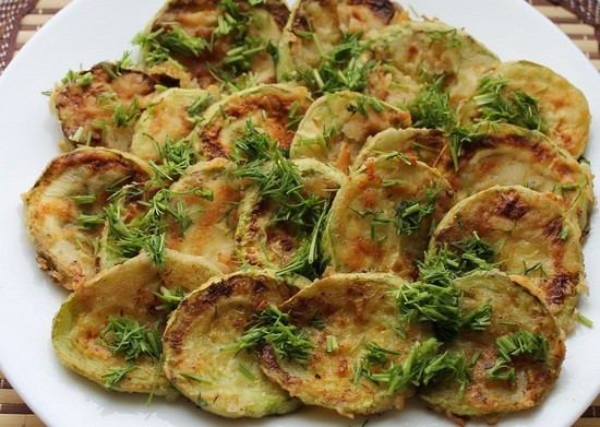 Салат из кабачков жареных с чесноком